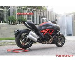 Ducati Diavel Red carbon nik 2013 KM 700 FP