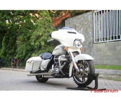 Harley Streetglide Special 2014 White pearl Glossy->Motor